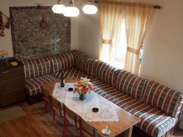 aste guesthouse tropoje