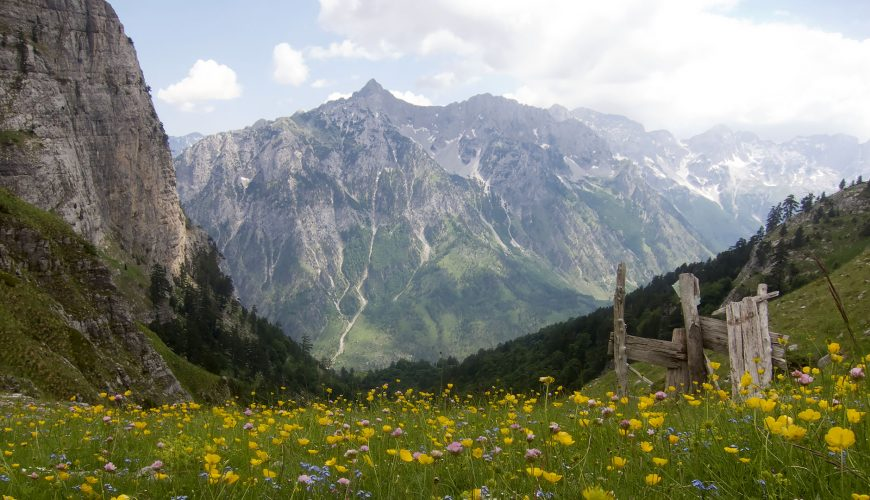 kosove albania walking