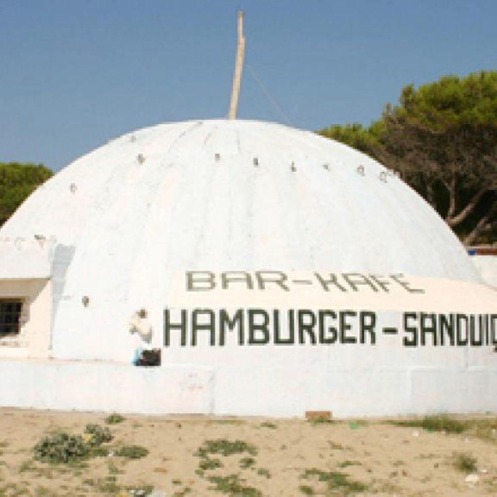 Hamburger and sandwich bunker