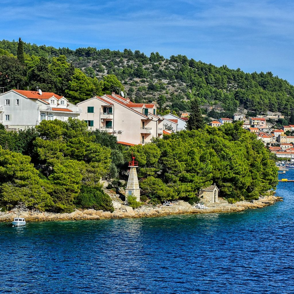 how to get from Dubrovnik to Korcula